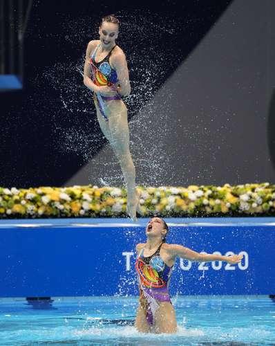 Las rusas ofrecieron una espectacular rutina en la piscina para vencer a China y Ucrania.