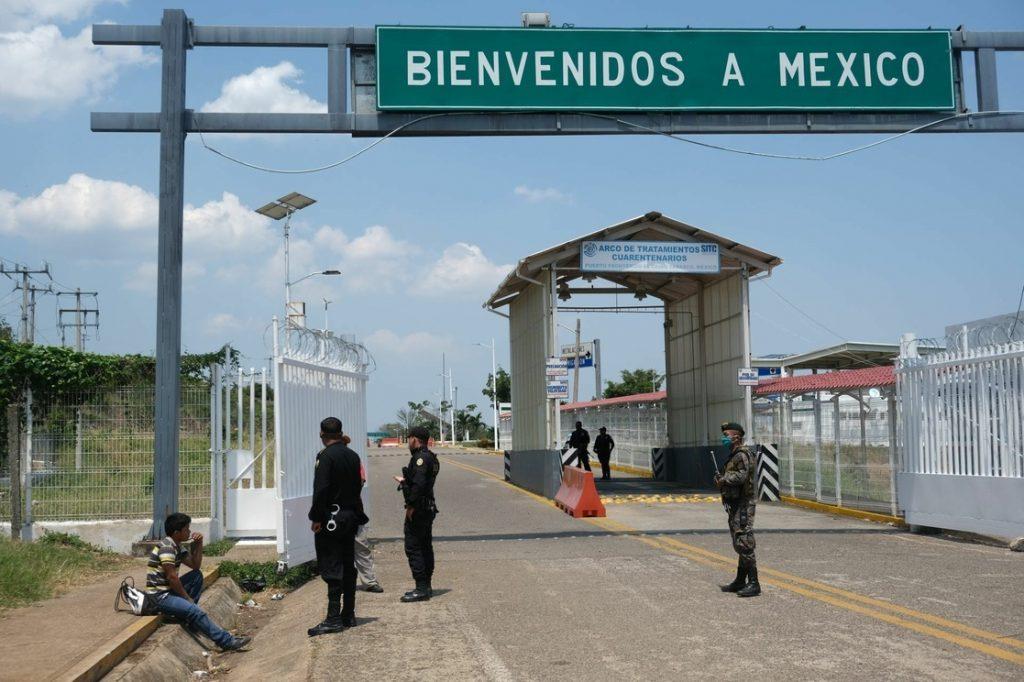 Cruce fronterizo de México y Estados Unidos.