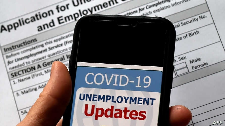 US jobless claims fell slightly last week |  The Voice of America