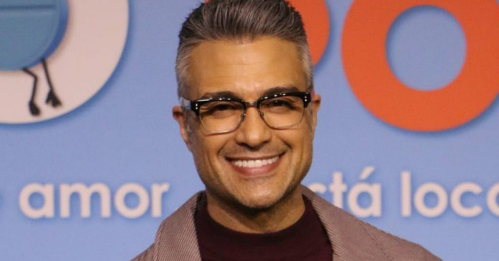"""""""We started from scratch"""": Jaime Camil talks about the difficulties she faces as a Mexican actor in the US"""