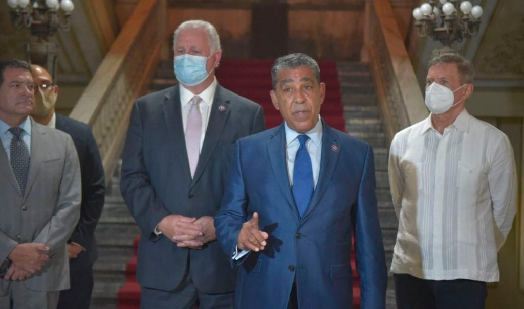 Congressman Adriano Espaillat and two colleagues from the United States visit Abenader