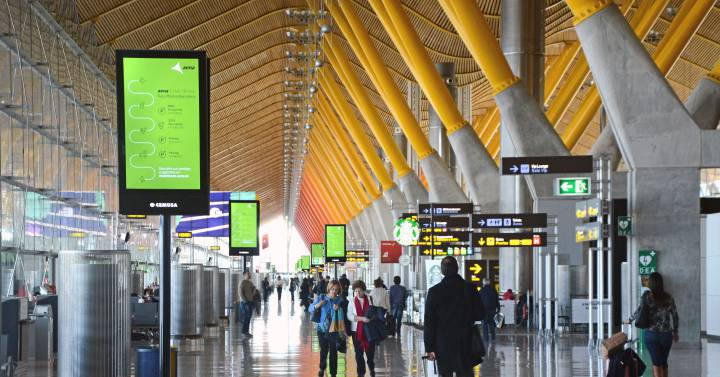 Foreign tourist arrivals to Spain fell by 25.8% until July |  Economie