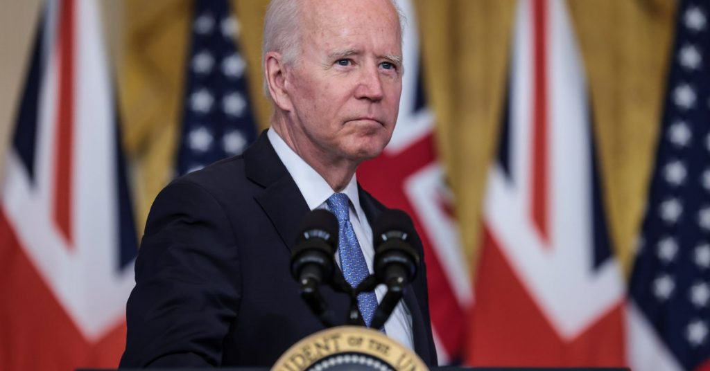 Joe Biden announces a tax cut for middle-class families in America