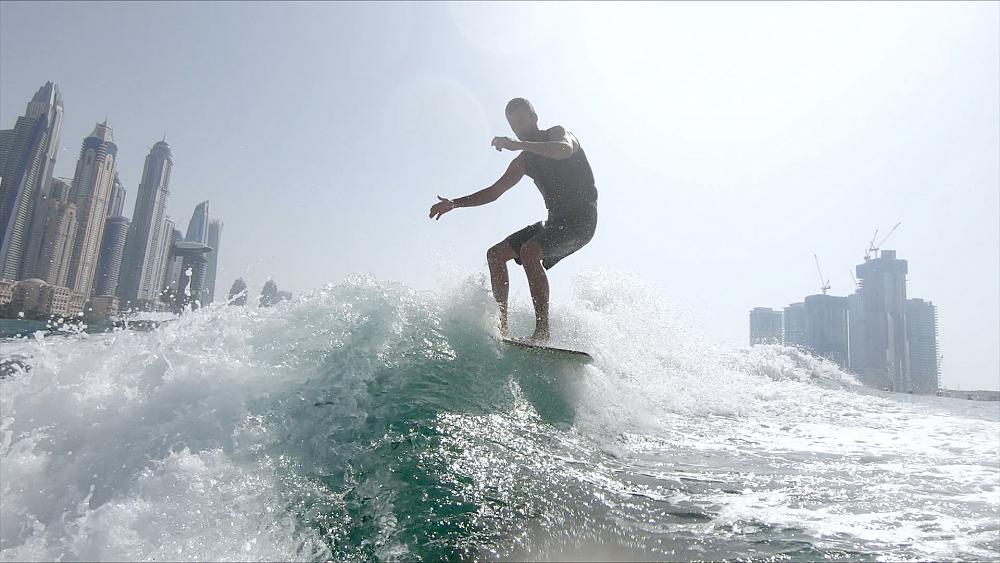 Wakesurf, Dubai's most elegant 'eternal wave'