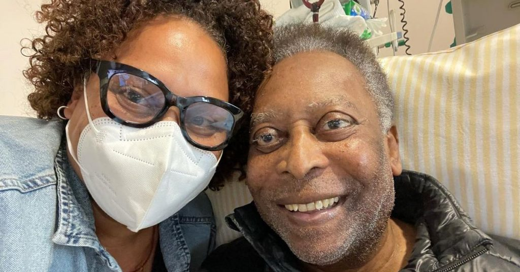 What does the medical report say about Pele's health condition and the purposeful message that was published by his daughter?