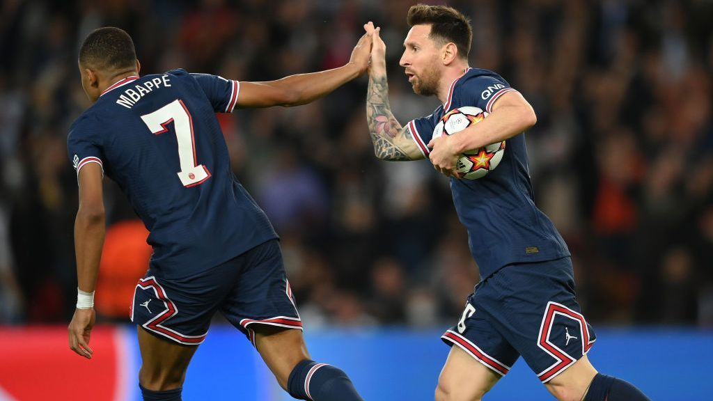 The gestures between Mbappe and Messi in Paris Saint-Germain illustrate the nature of their relationship