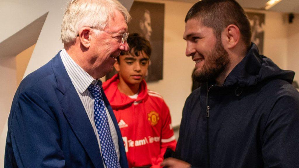 Alex Ferguson joins criticism of replacing Cristiano Ronaldo for Manchester United against Everton