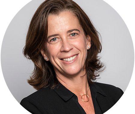 Biography of Alejandra Kindlan |  Santander International Banking Conference