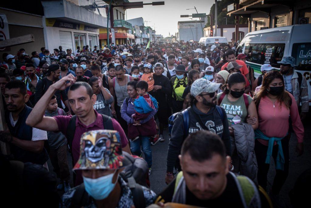 Migrant caravan leaves Tapachula, Chiapas, bound for CDMX