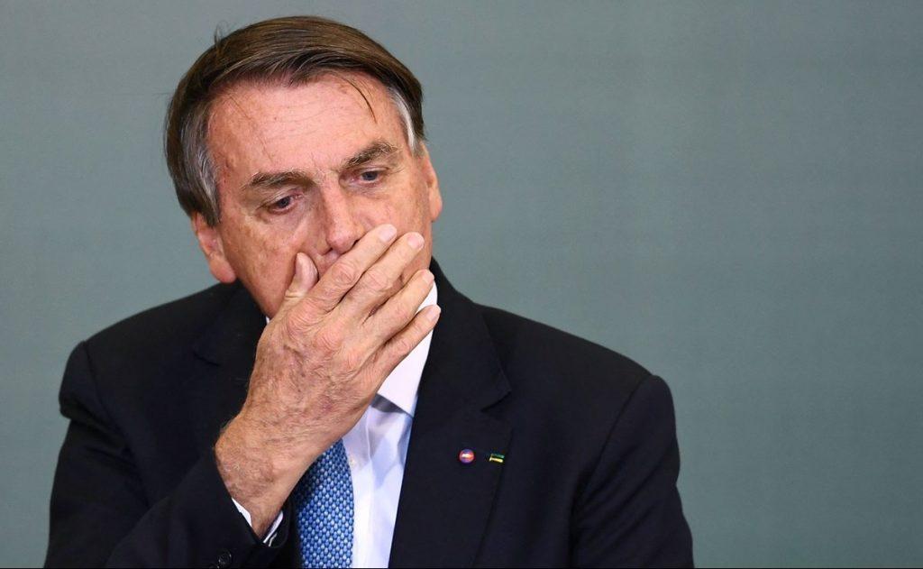 Presidente de Brasil es rechazado de estadio de futbol por no estar vacunado contra Covid-19