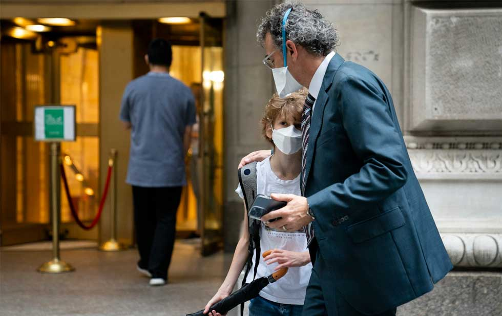 The US turns the page with the latest spike in the pandemic: Fauci